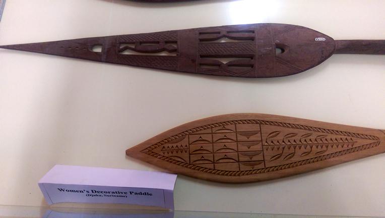 Ndyuka Women's Decorative Paddles